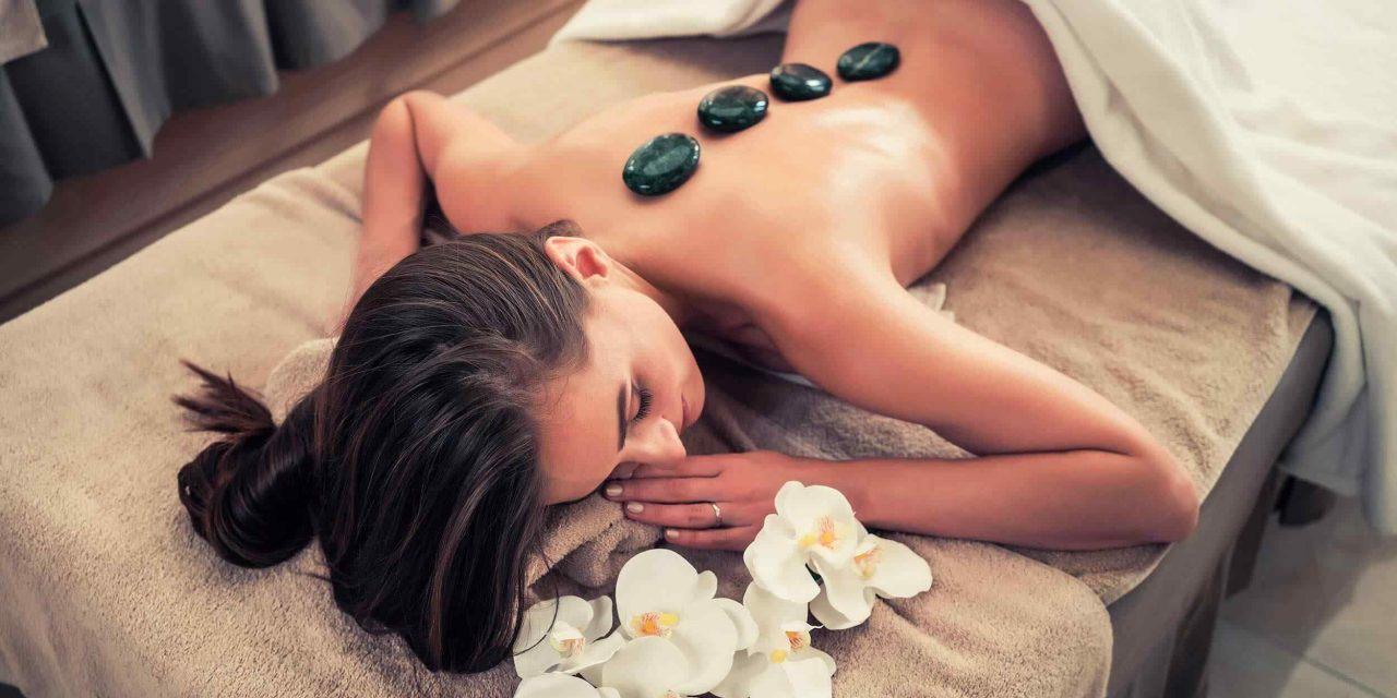https://institut-beaute-lecannet.fr/wp-content/uploads/2018/10/spa-stone-massage-3-1280x640.jpg